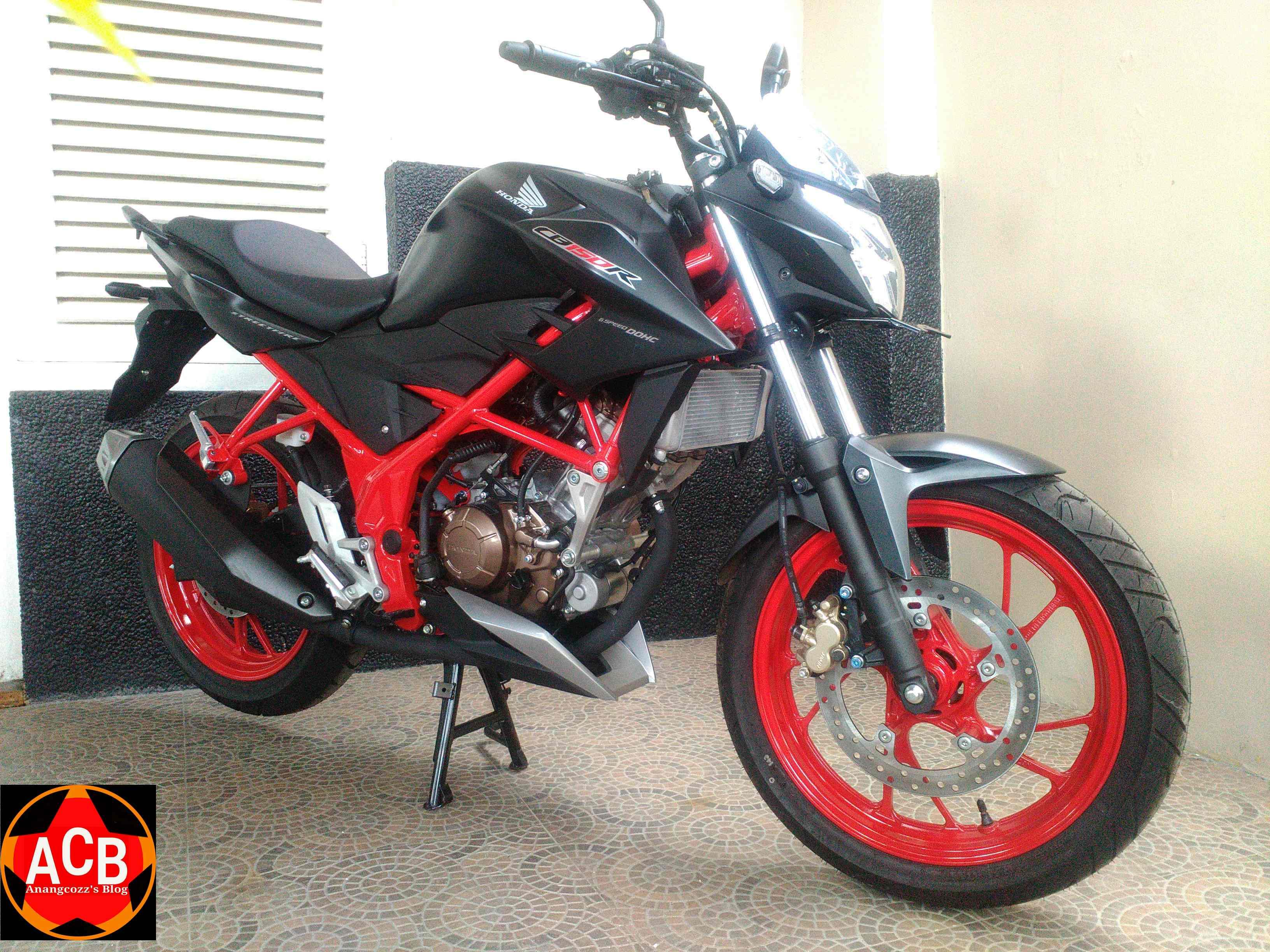 Galeri Lengkap New Honda CB150R SE Raptor Black, Cek