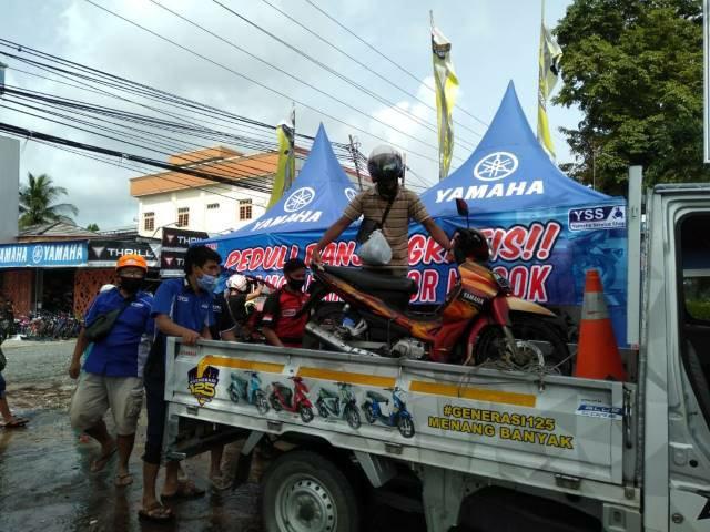 Peduli Korban Banjir Kalsel, Yamaha Dirikan Posko ServiceGratis