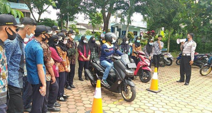Yamaha Jatim Berikan Edukasi Keselamatan Berkendara Kepada PelajarSMK