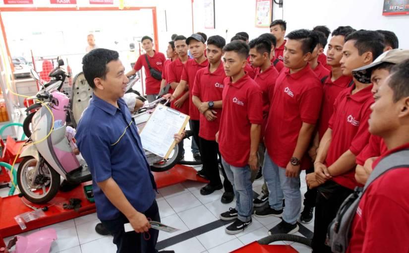 Anjas, Alumni SMK TBSM Honda Kini Sukses Jadi PengusahaBengkel