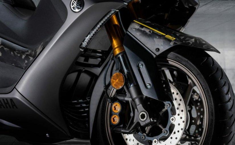 Cuma 560 Unit Di Dunia, Yamaha TMAX Spesial 20 Tahun Bodywork FullKarbon!