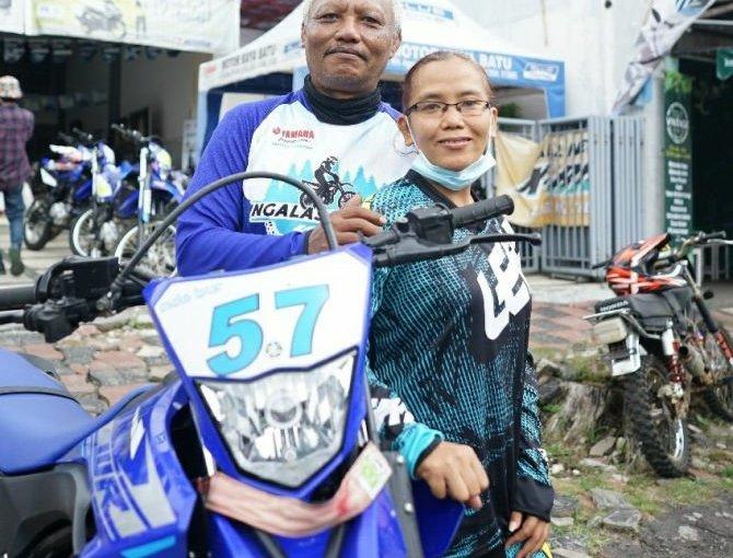 Pasangan Lansia Ini Ikutan Ngalas Bareng WR155R, Mengharukansob!