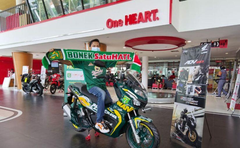 Supporter Sejati, Bonek Surabaya Ini Menang Lelang Motor ADV150 EdisiPersebaya!