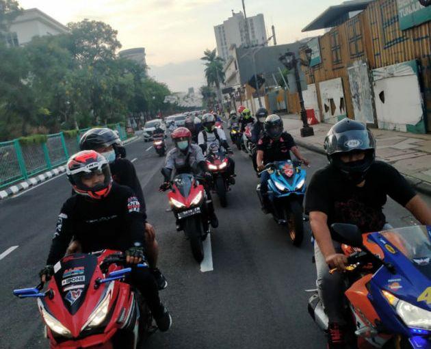 Komunitas Honda CBR NgabubuRide Prokes di MPM Riders CafeSurabaya