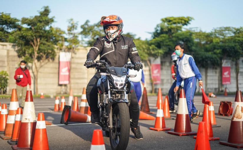Komunitas Honda CB150R StreetFire Gathering dan Ngabuburide DiSidoarjo