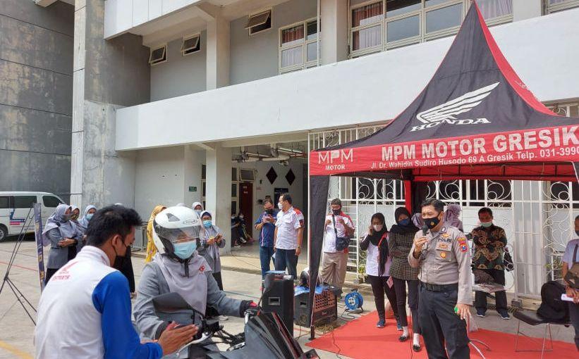 MPM Honda Jatim Kampanyekan Safety Riding di Universitas MuhammadiyahGresik